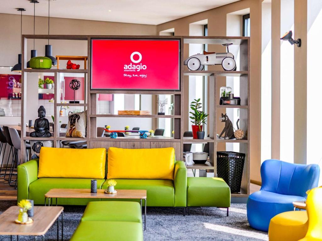 Lobby/Rezeption in der Unterkunft Aparthotel Adagio Bremen