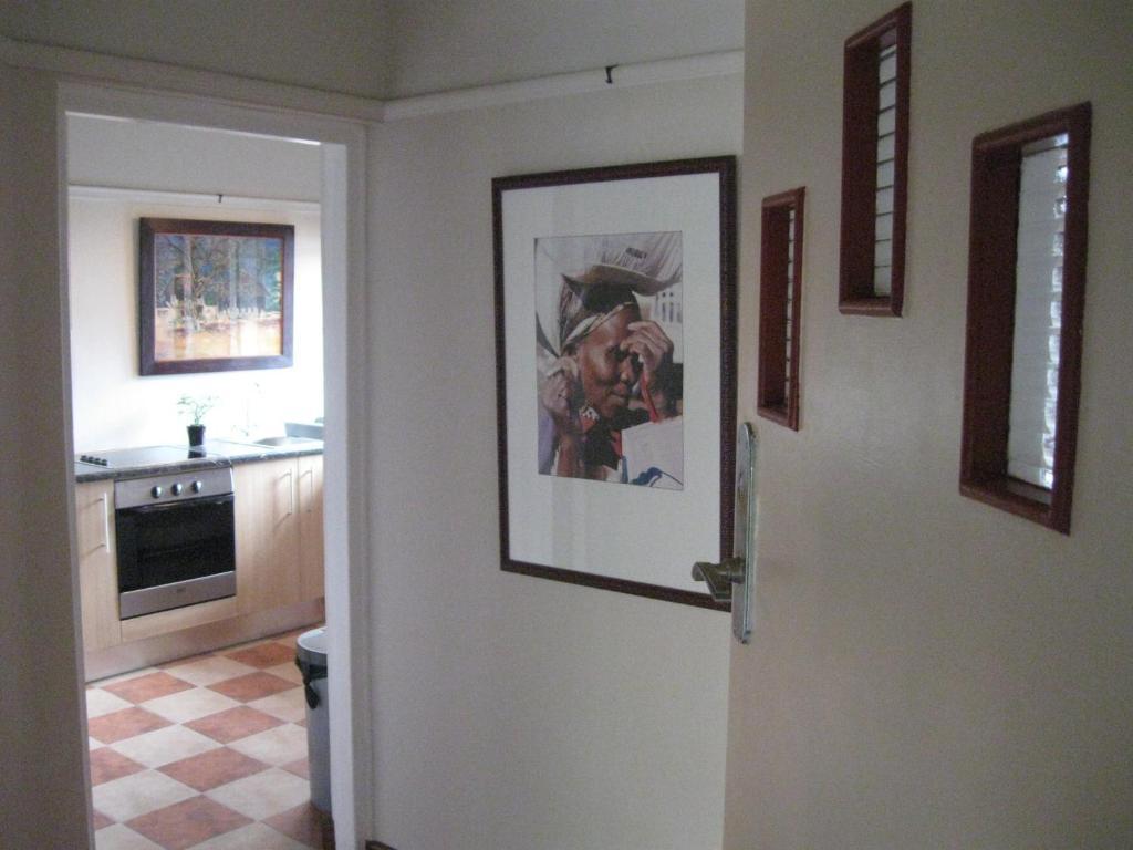 A kitchen or kitchenette at Serenahof
