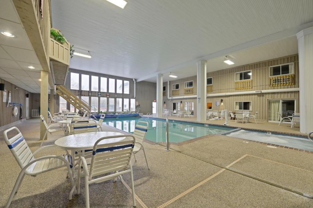 Piscina di Sandwich Lodge & Resort o nelle vicinanze