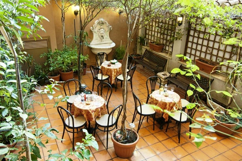Hotel Montreal Rome, Italy
