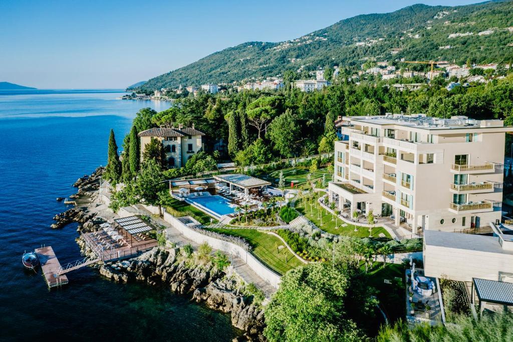 Blick auf Ikador Luxury Boutique Hotel & Spa aus der Vogelperspektive