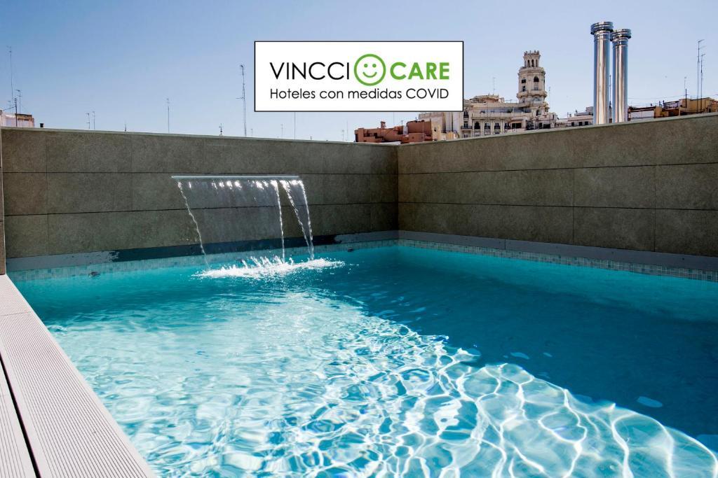 The swimming pool at or near Vincci Mercat