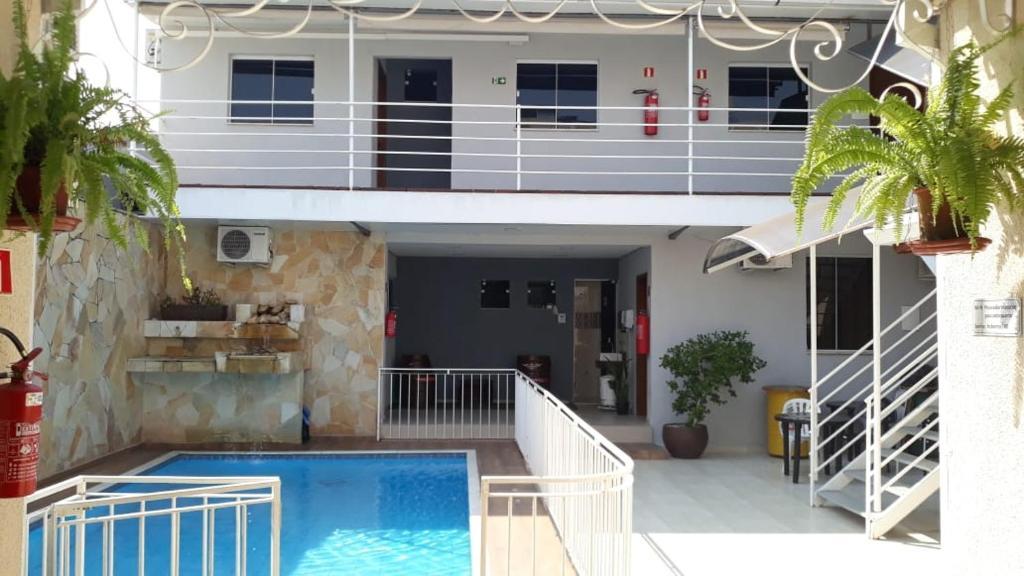 A piscina localizada em Pousada São Bento ou nos arredores