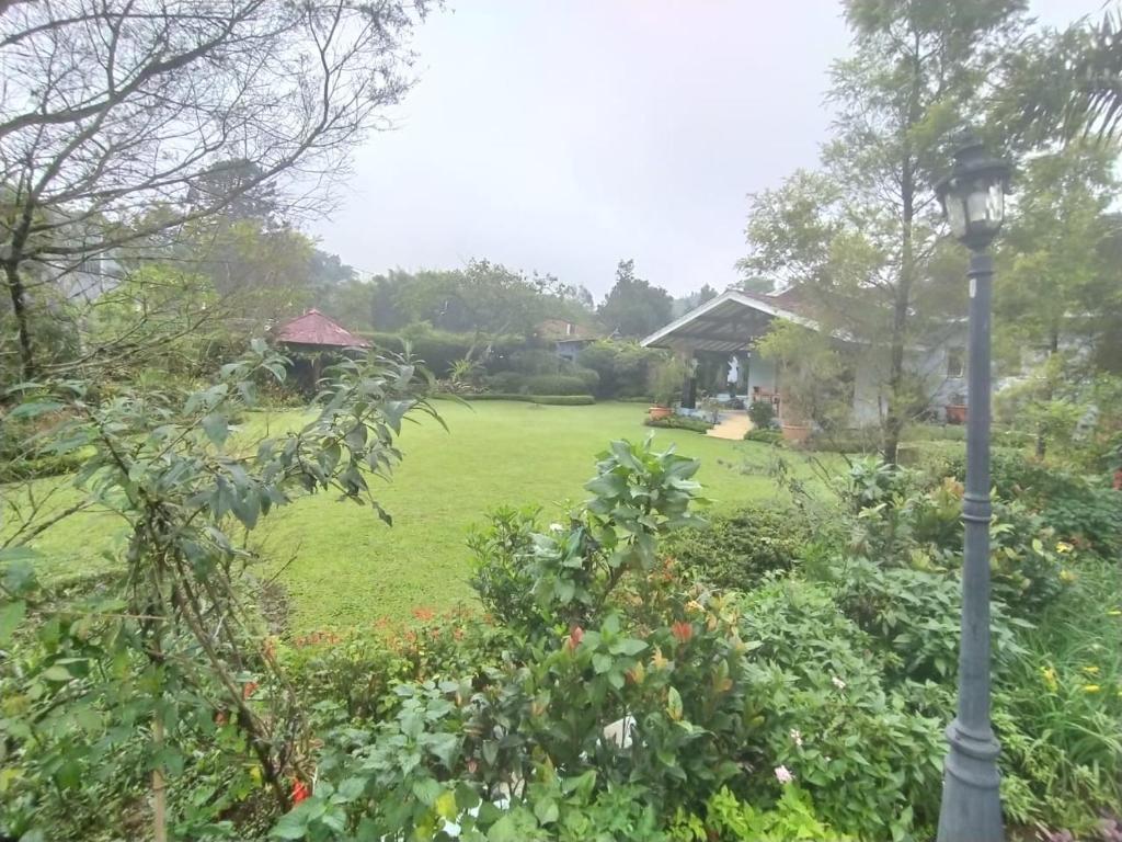 Villa Bany 4 Kamar Billiard, tenis meja Cisarua