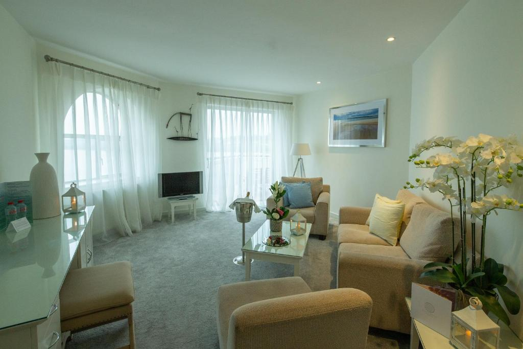 A seating area at Ferrycarrig Hotel