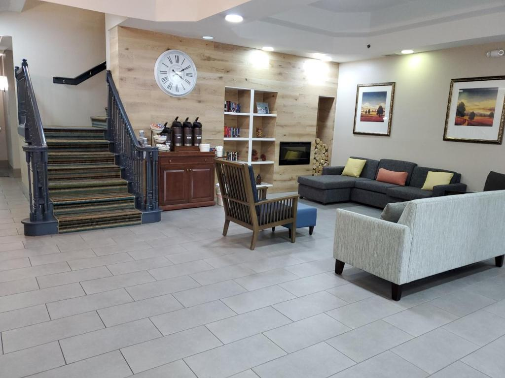 The lobby or reception area at Country Inn & Suites by Radisson, Buford at Mall of Georgia, GA