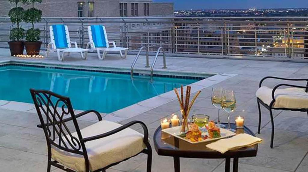 The swimming pool at or near Hilton Garden Inn New Orleans French Quarter/CBD