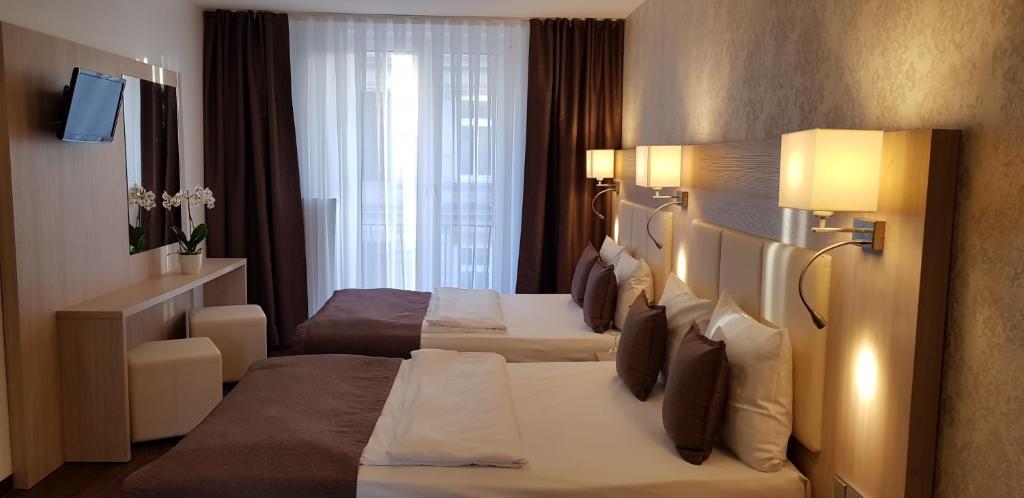 Hotel Budapester Hof - Laterooms
