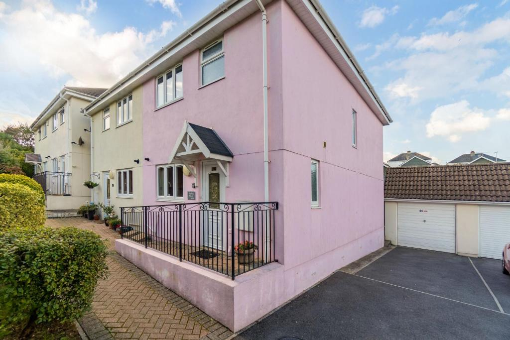 The Pink House, Paignton