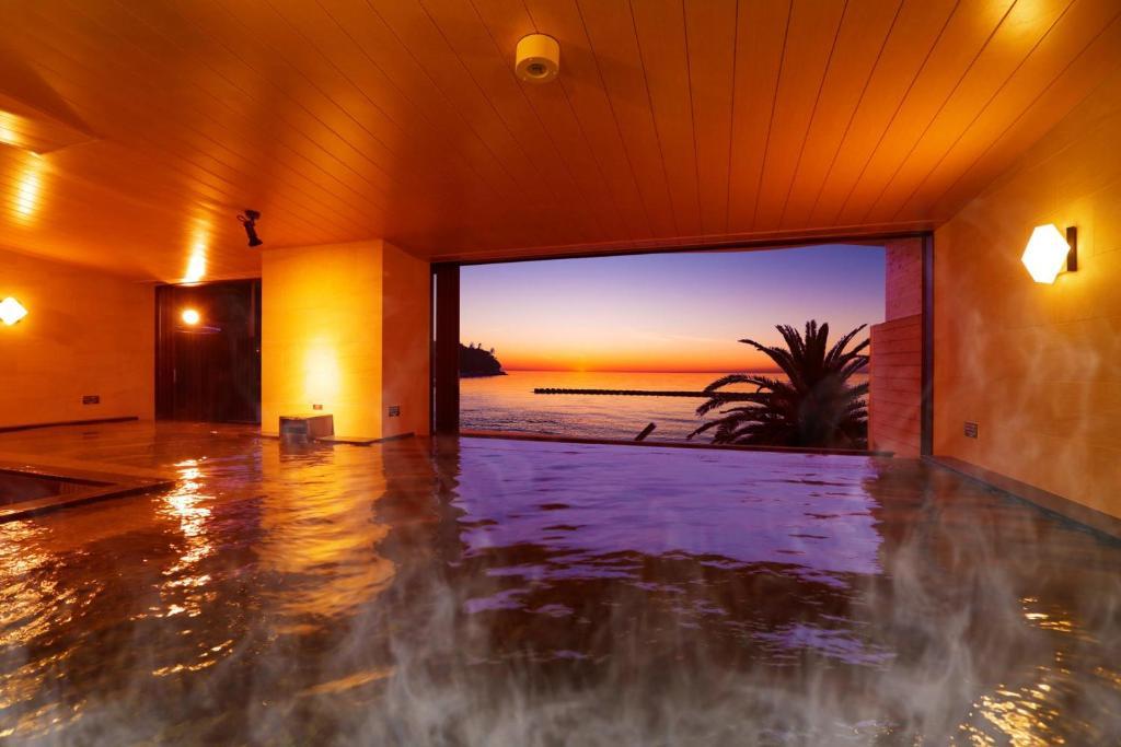 Ooedo-Onsen Monogatari Toi Marine Hotel
