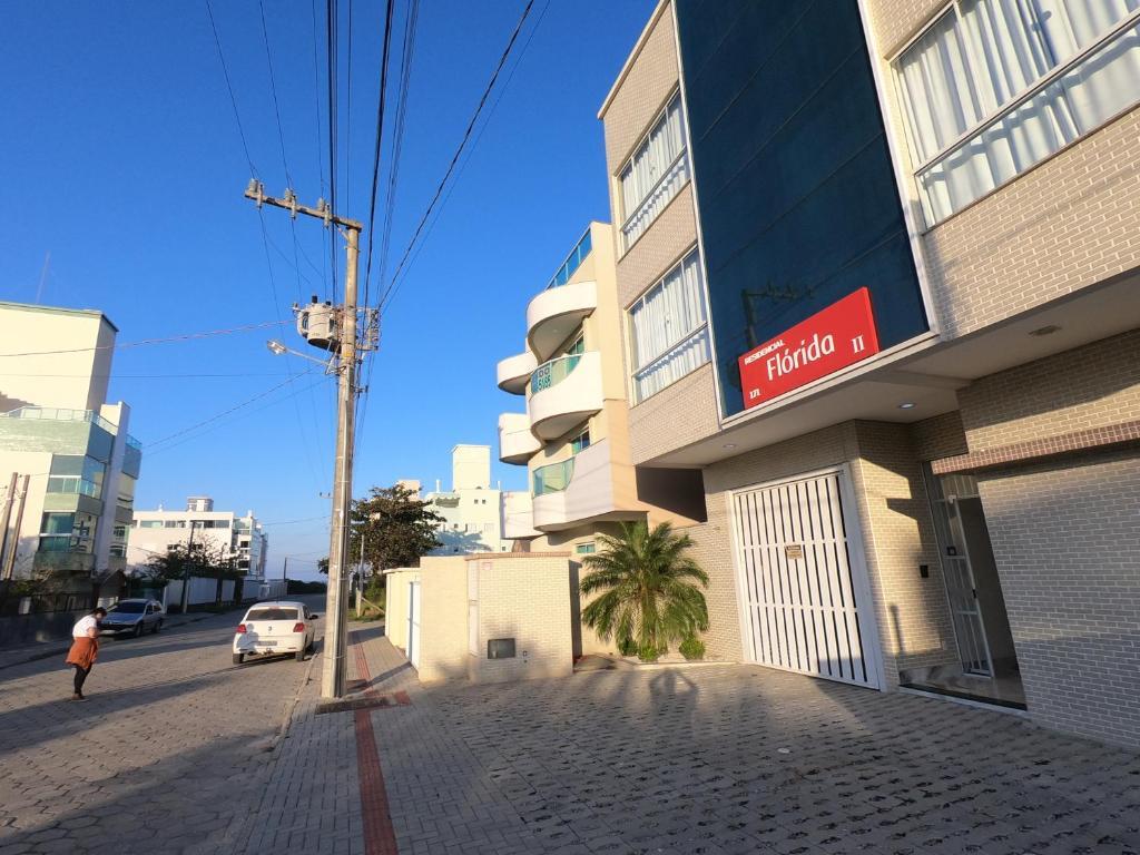 A fachada ou entrada em Residencial Florida ll - 150mt Praia de Mariscal