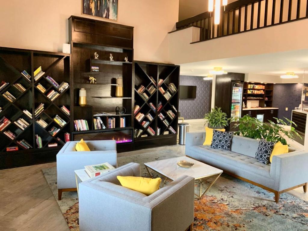 Best Western Plus Murray Hill Hotel & Suites