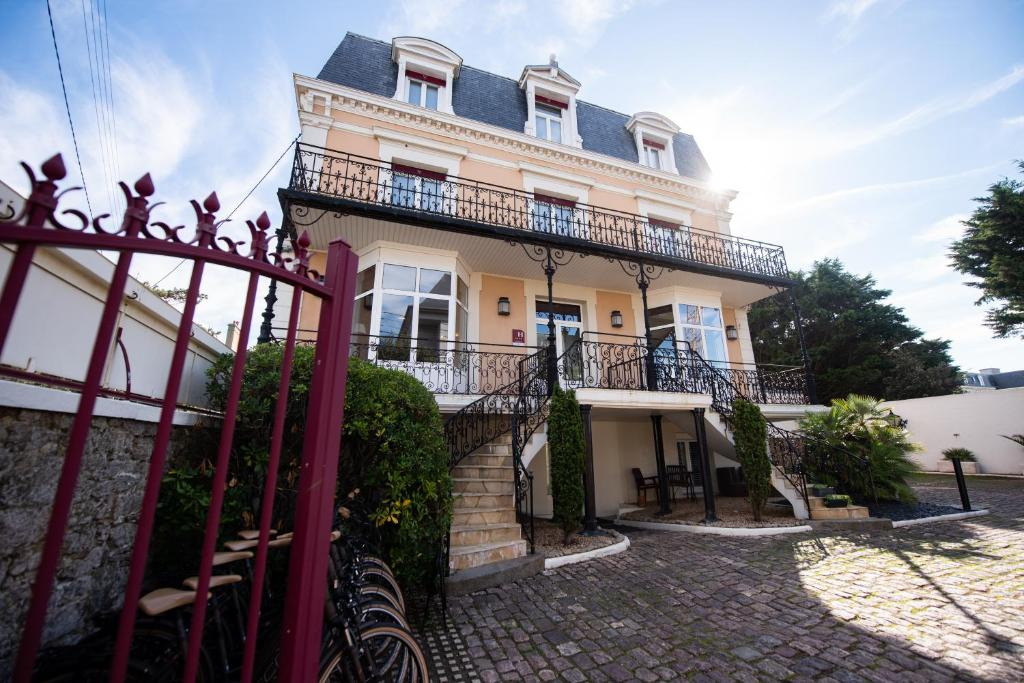Hôtel La Villefromoy - Laterooms