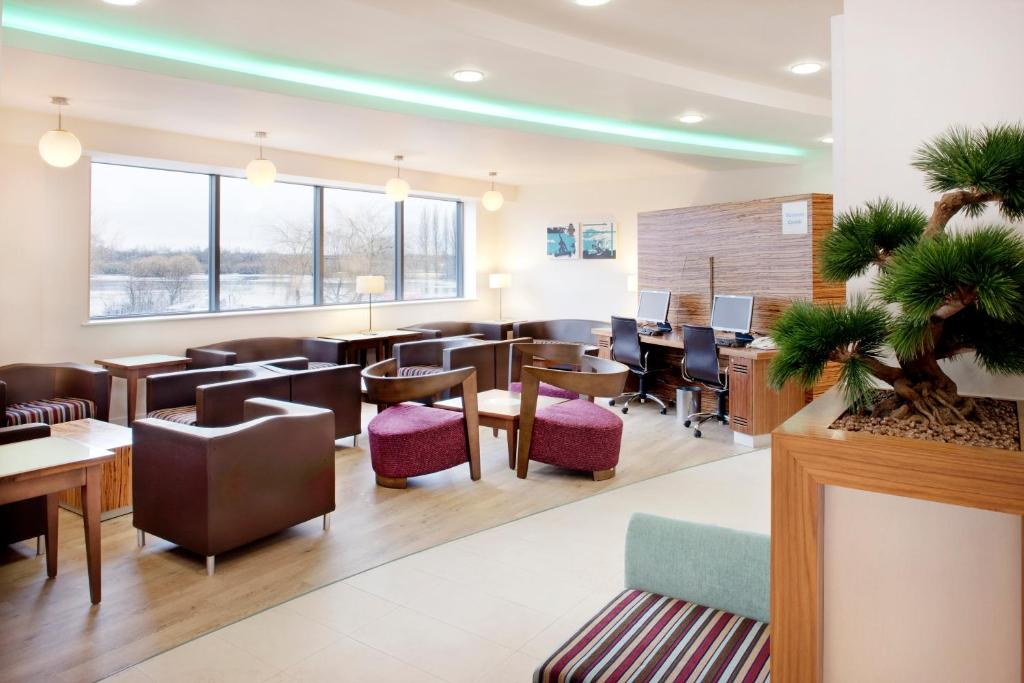Holiday Inn Express TAMWORTH - Laterooms