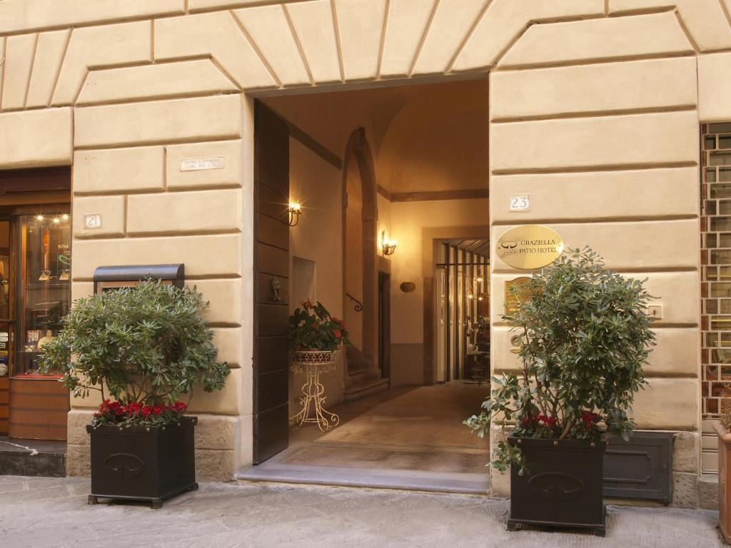 Фасад или вход в Graziella Patio Hotel