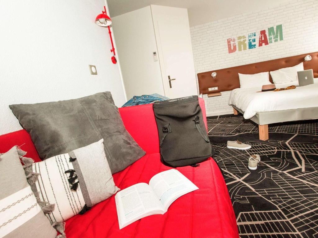 ibis Styles Chartres Metropole Chartres, France