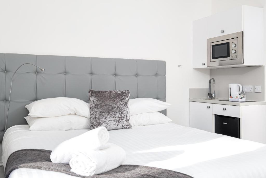 A room at Kelpies Serviced Apartments