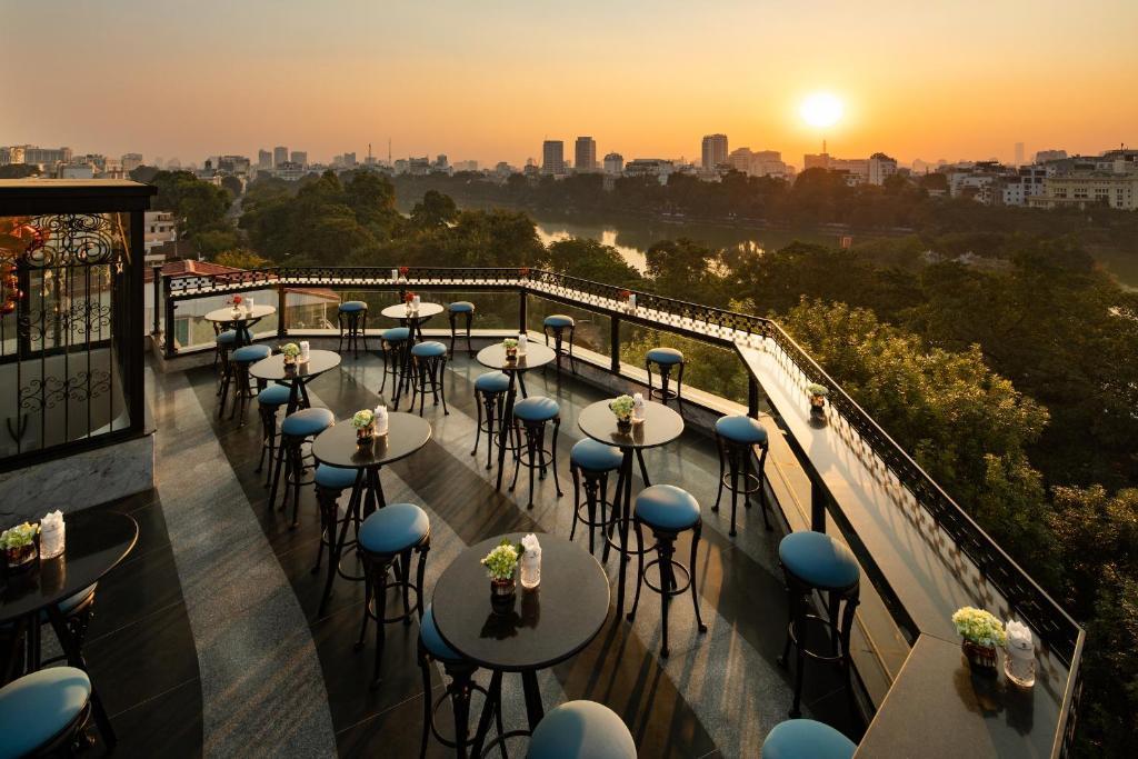A balcony or terrace at La Sinfonía del Rey Hotel & Spa