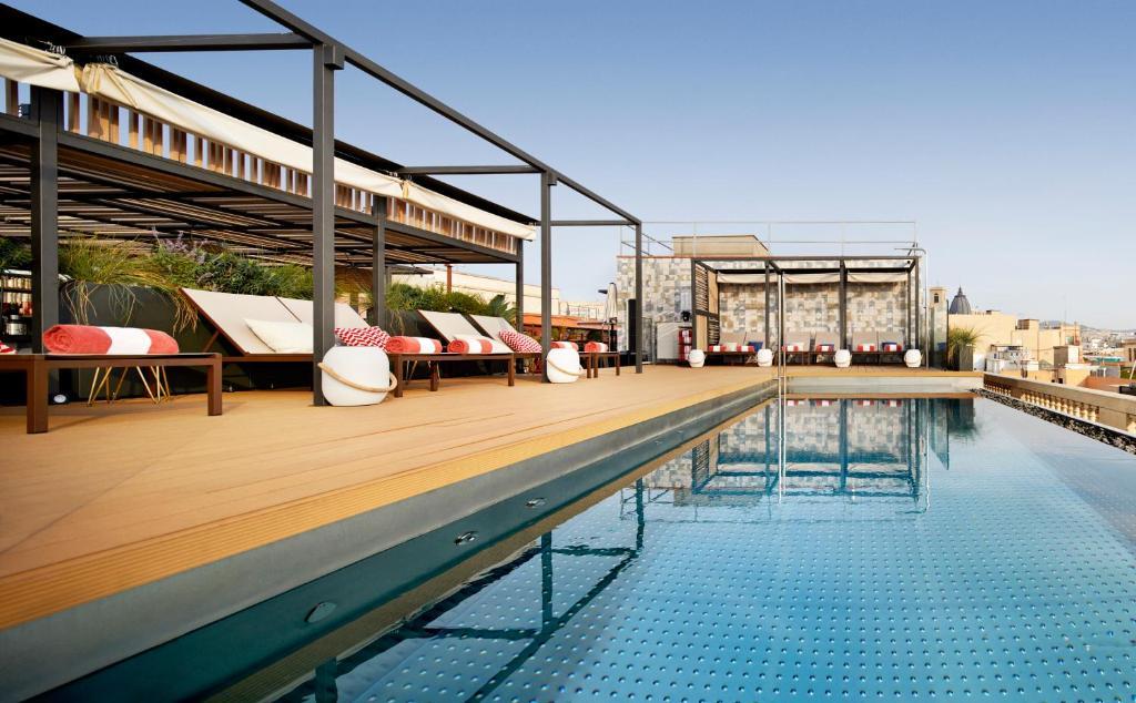 The swimming pool at or near Kimpton Vividora Hotel, an IHG Hotel