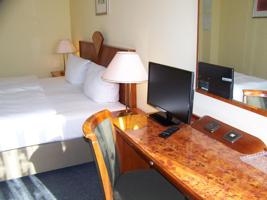 A television and/or entertainment center at Hotel Amadeus Central