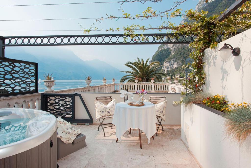 Bellavista Hotel Deluxe Apartments Riva del Garda, Italy