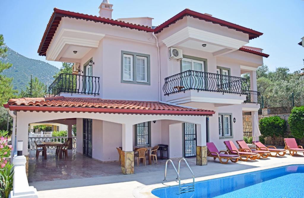 Villa Ahat