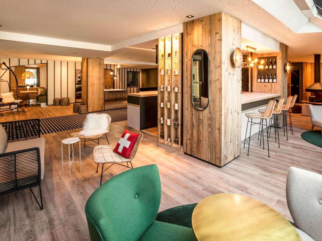 Salon ou bar de l'établissement Mercure Chambéry Centre
