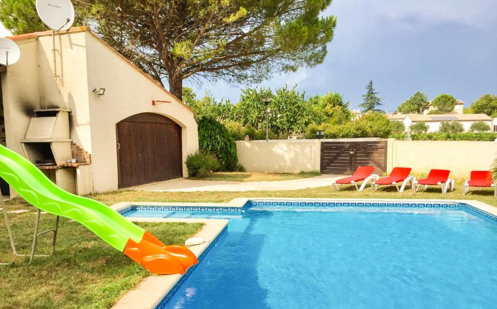 The swimming pool at or close to Residence Le Chateau