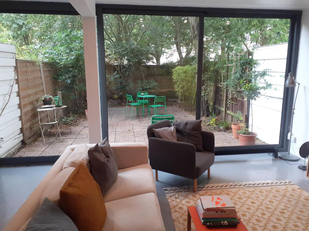 Lovely Central London Apt. with Garden and 3 bedrooms