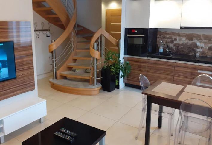 Hol lub recepcja w obiekcie Apartament Platinum Dwupiętrowy z Garażem