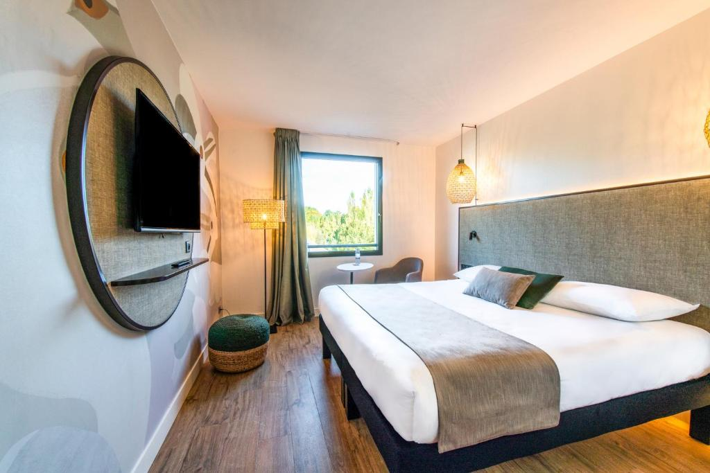 Brit Hotel Atalante Beaulieu Cesson-Sevigne, France