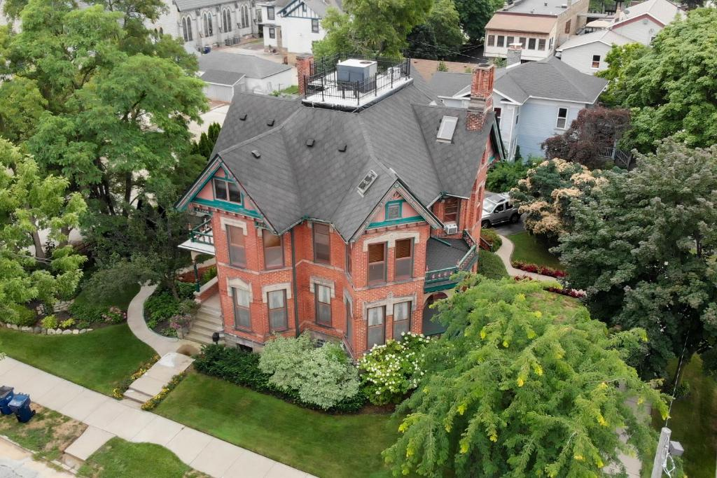 A bird's-eye view of Historic Webster House Bed and Breakfast Inn
