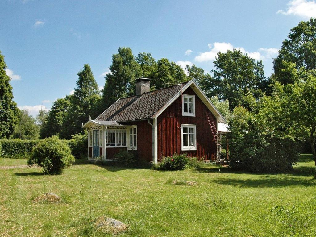 Two-Bedroom Holiday home in Kalvsvik