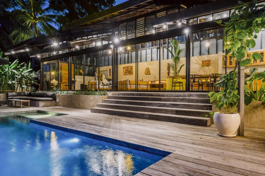 The swimming pool at or close to Villa Kiri, Luxury Seaview Pool Villa in the Jungle