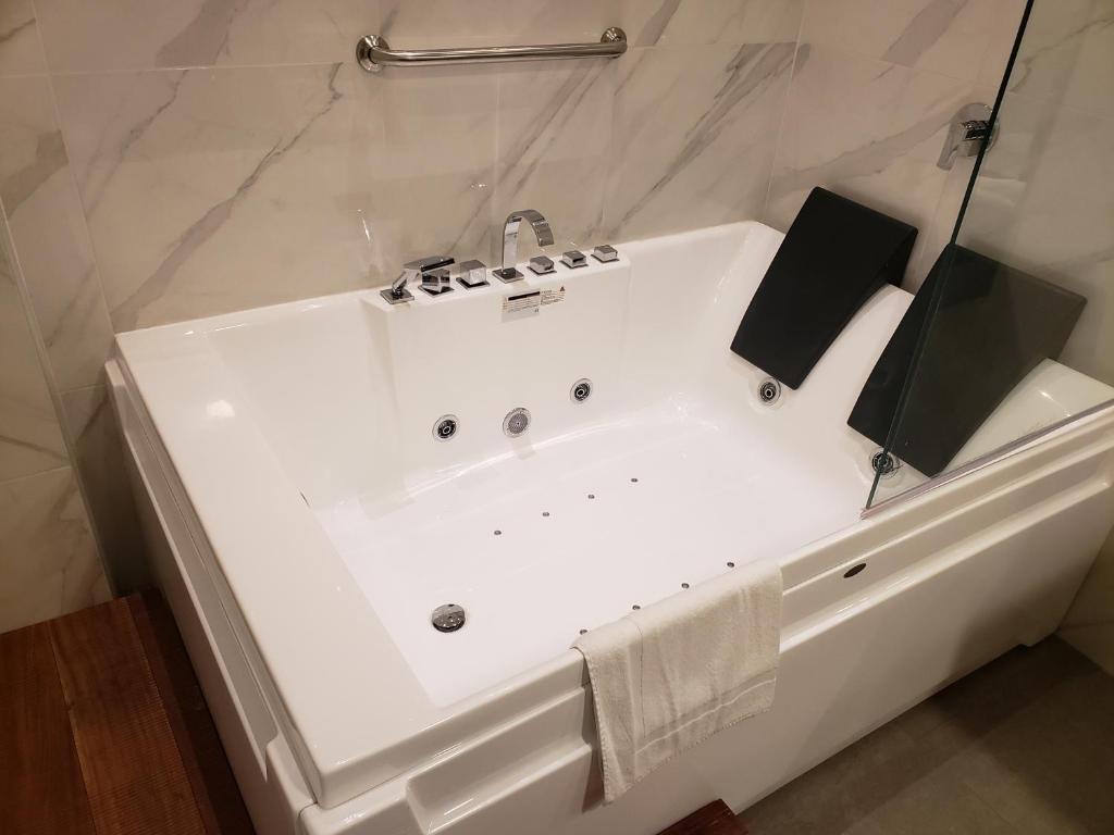 A bathroom at Hotel Lexus