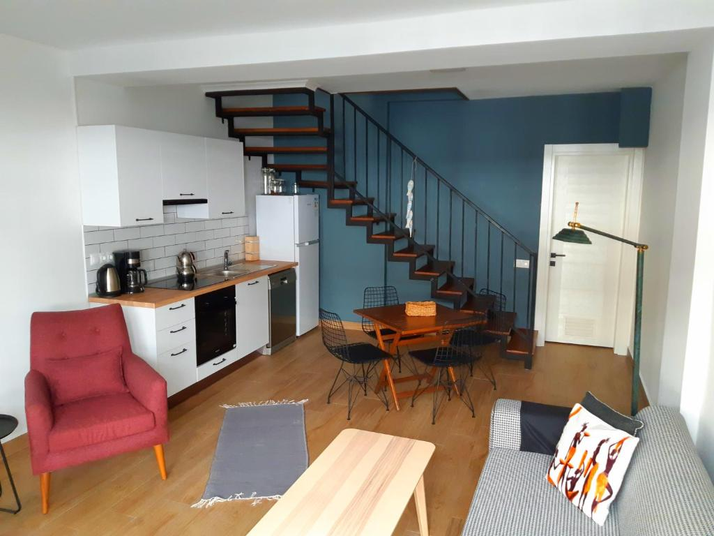 Duplex Mod Apartment 50m from the Beach