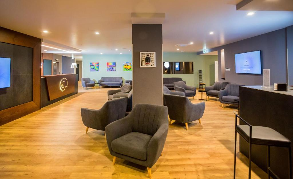 The lobby or reception area at Hotel Europa Art Caserta