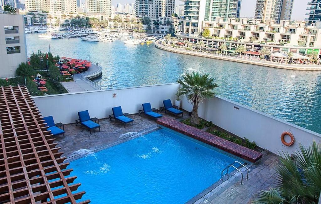 The swimming pool at or near Dusit Princess Residences Dubai Marina