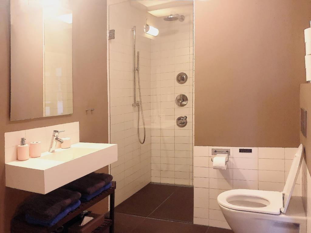 A bathroom at Keizersgracht Residence