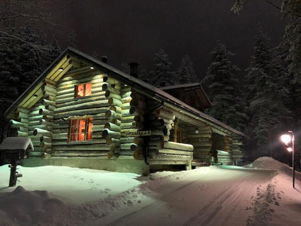 Levi Log Cabin - Viprakka 4A talvella