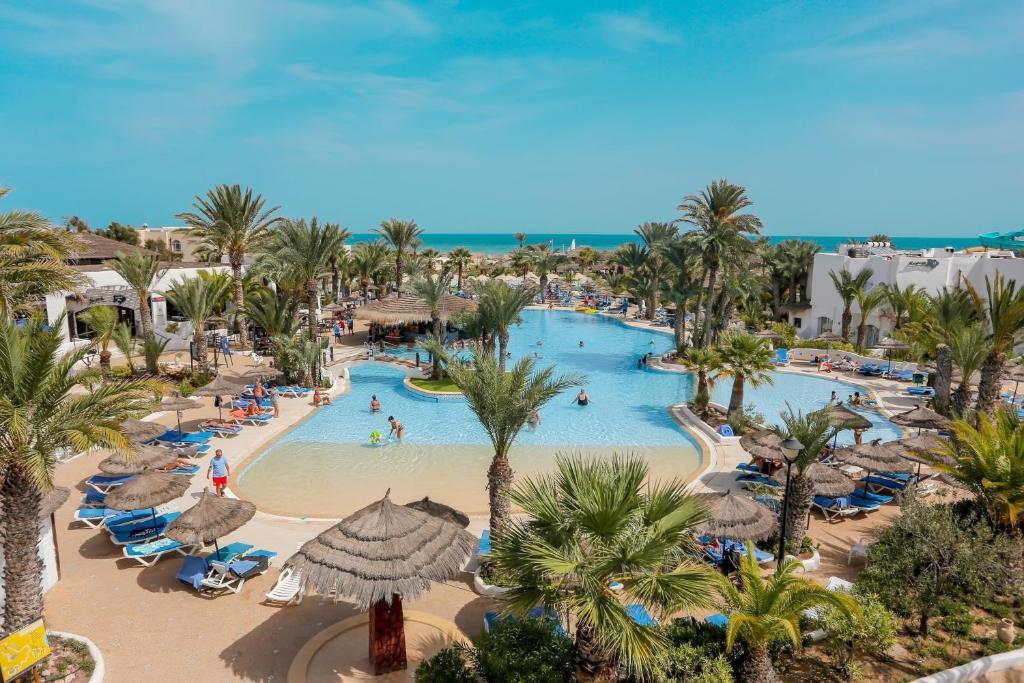 Uitzicht op het zwembad bij Fiesta Beach Djerba of in de buurt