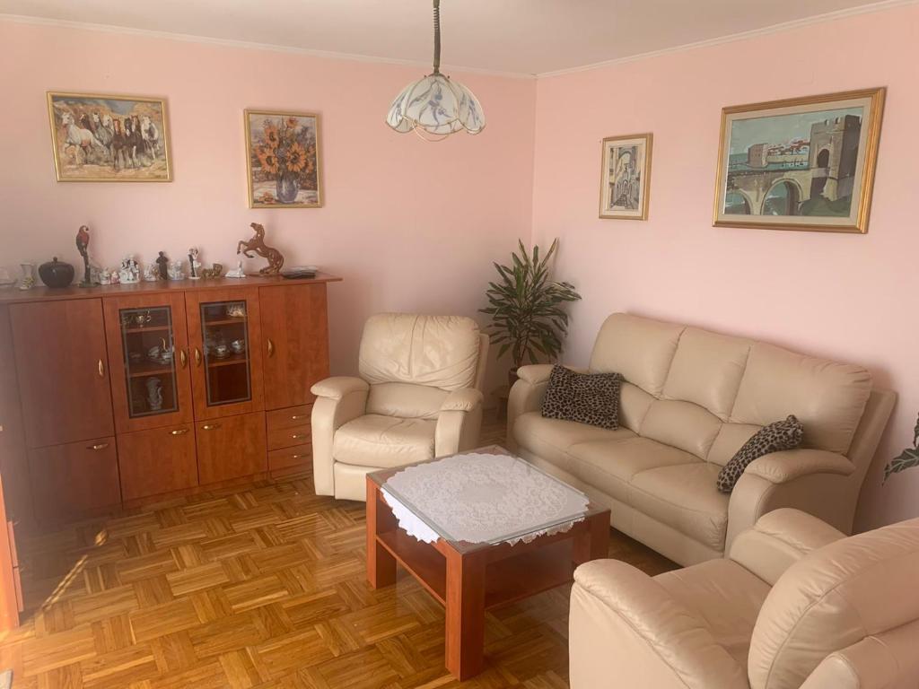 A seating area at Apartman Villa Bogumila
