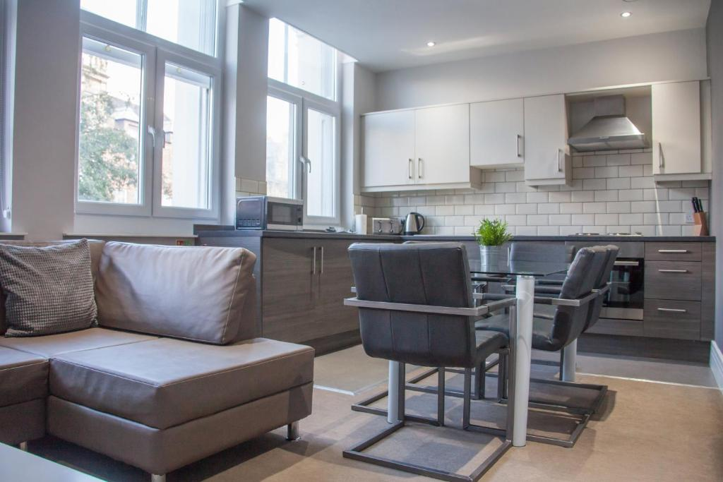 A kitchen or kitchenette at Dream Apartments City Center Newcastle