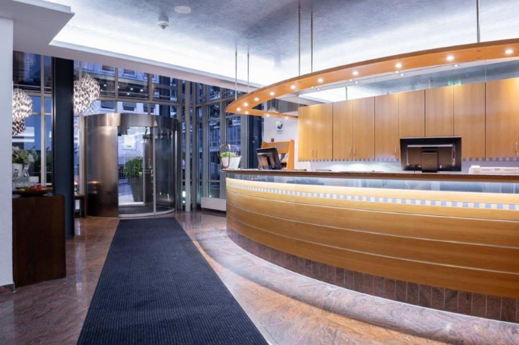 The lobby or reception area at Kronenhotel