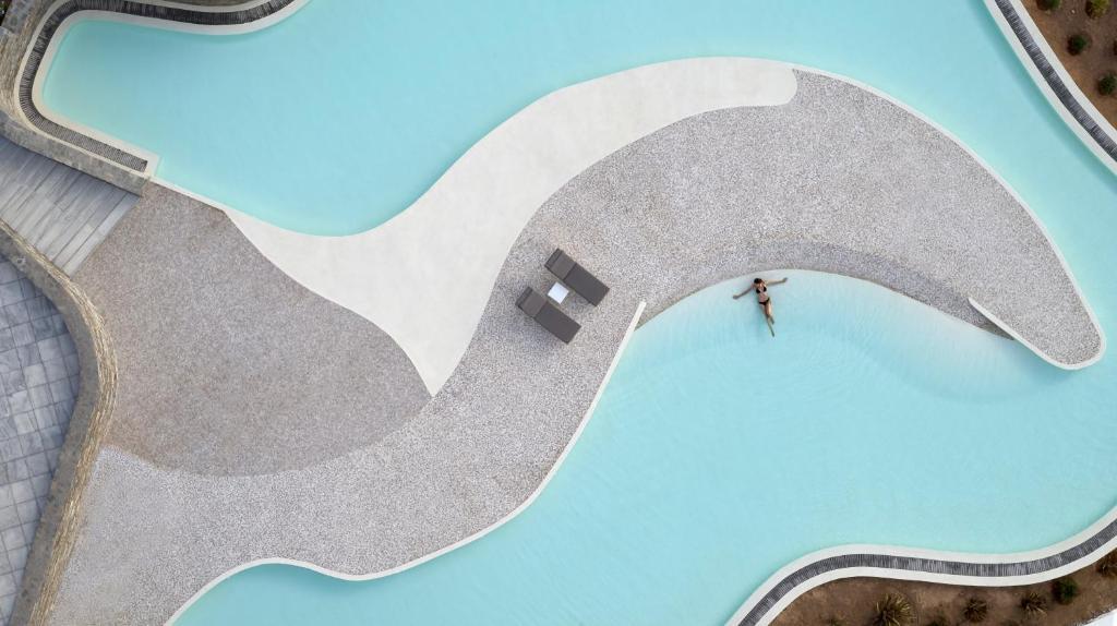 Vista sulla piscina di Summer Senses Luxury Resort o su una piscina nei dintorni