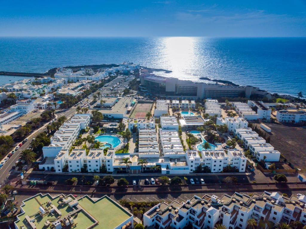 Vue panoramique sur l'établissement Oasis Lanz Beach Mate