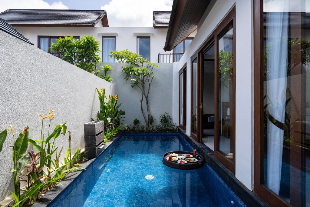 The swimming pool at or close to The Calna Villa Bali
