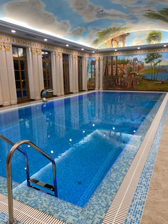 The swimming pool at or close to Villa-Otel' Provans