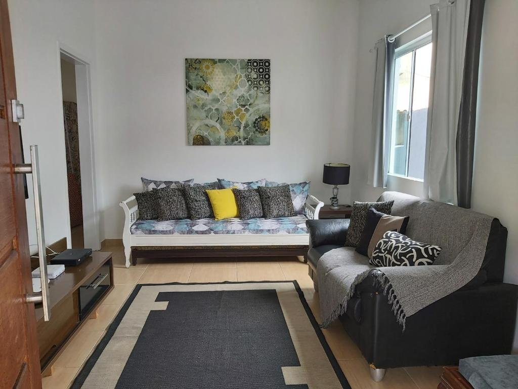 Uma área de estar em Casa Arraial do Cabo