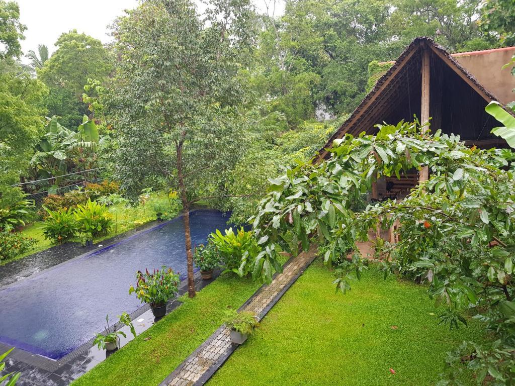 A garden outside il Frangipane